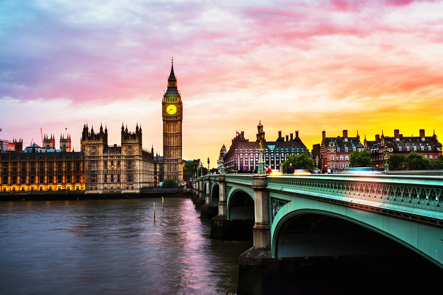 Book Cheap Flights from Toronto to London starting at $200