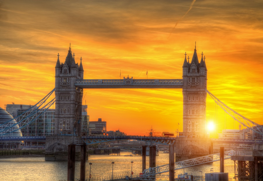 Book Cheap Flight Tickets from Calgary to London starting at $350