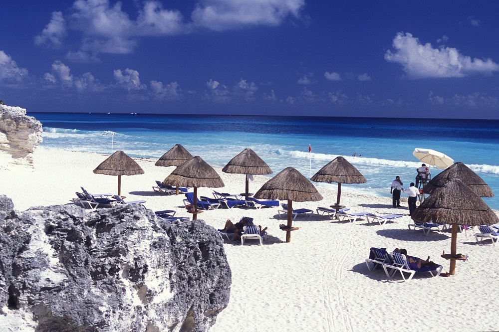 Book Cheap Flights tickets to Cancun - Farenexus